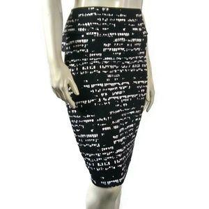 LULAROE Cassie Black White Fitted Skirt Medium